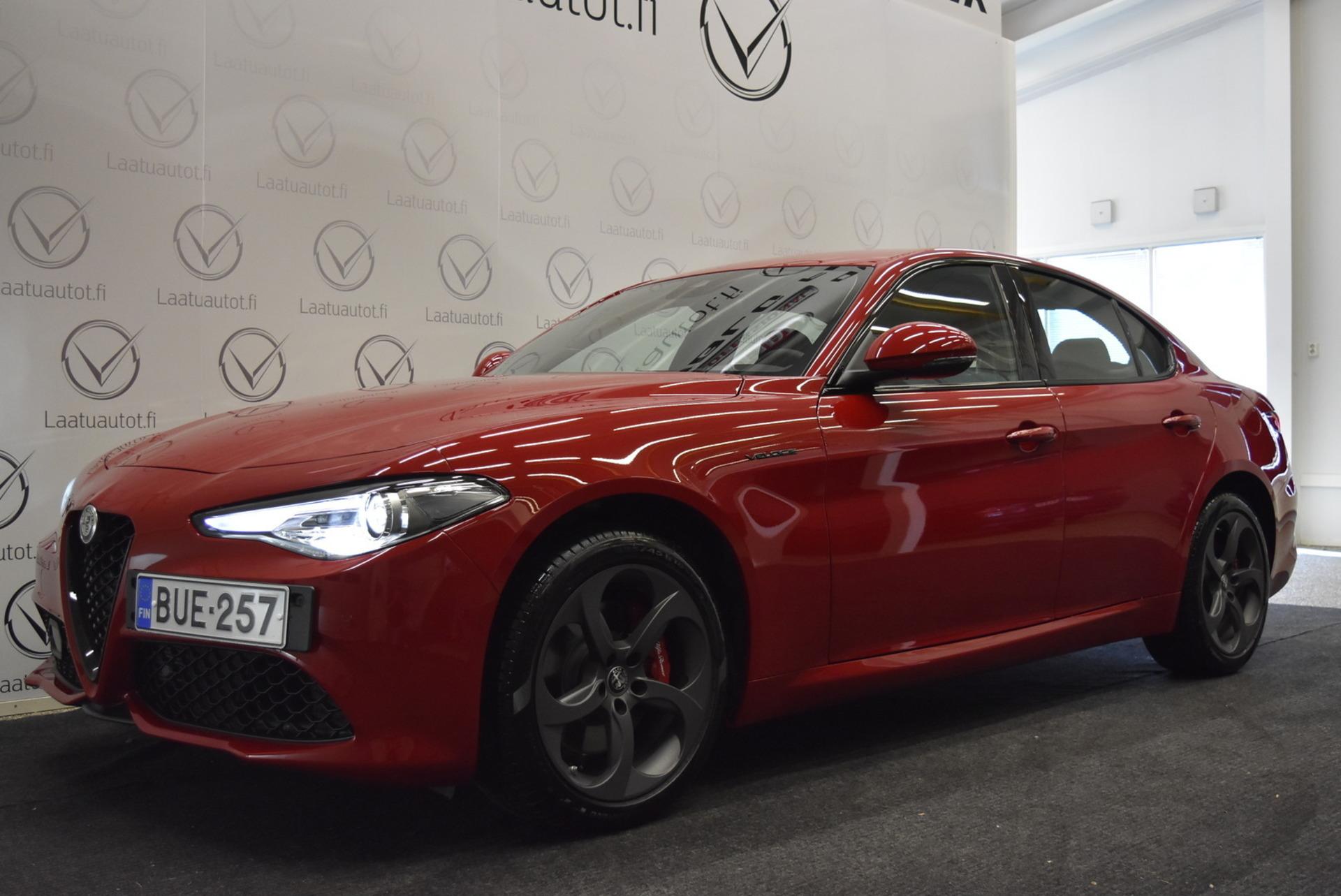 ALFA ROMEO GIULIA 2, 0 Bensiini 280hp AWD 8AT Veloce - Uusi auto nopeaan toimitukseen,  kysy tarjous!