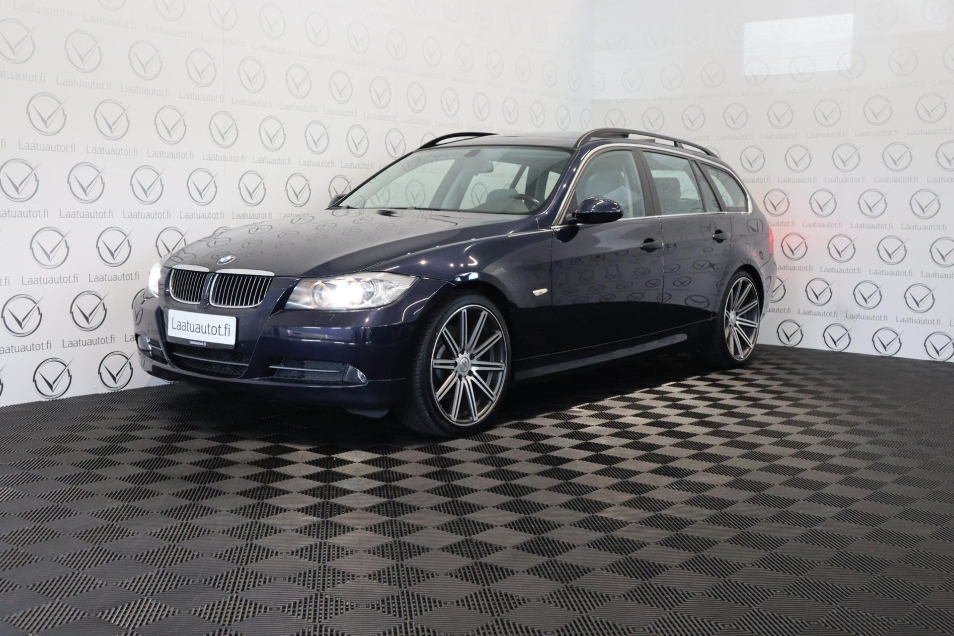 BMW 330 i Touring - Korkotarjous 1, 89%+ kulut,  jopa ilman käsirahaa Xenon,  Urheiluistuimet,  Panorama kattoikkuna. PDC!
