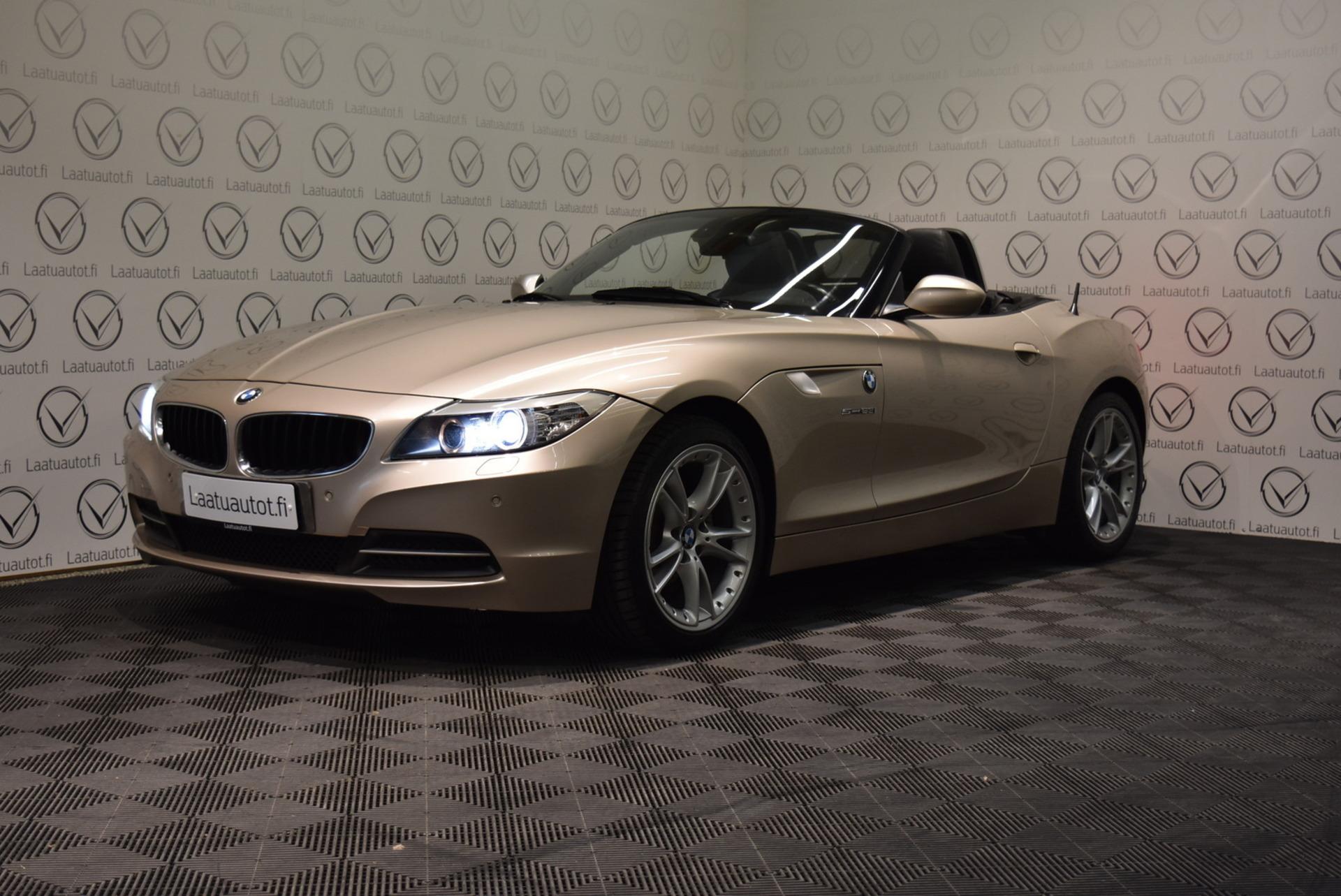 BMW Z4 E89 Roadster - Korko 1, 89%,  Jopa ilman käsirahaa! *** Nahat / Xenon / Hifit / PDC ***