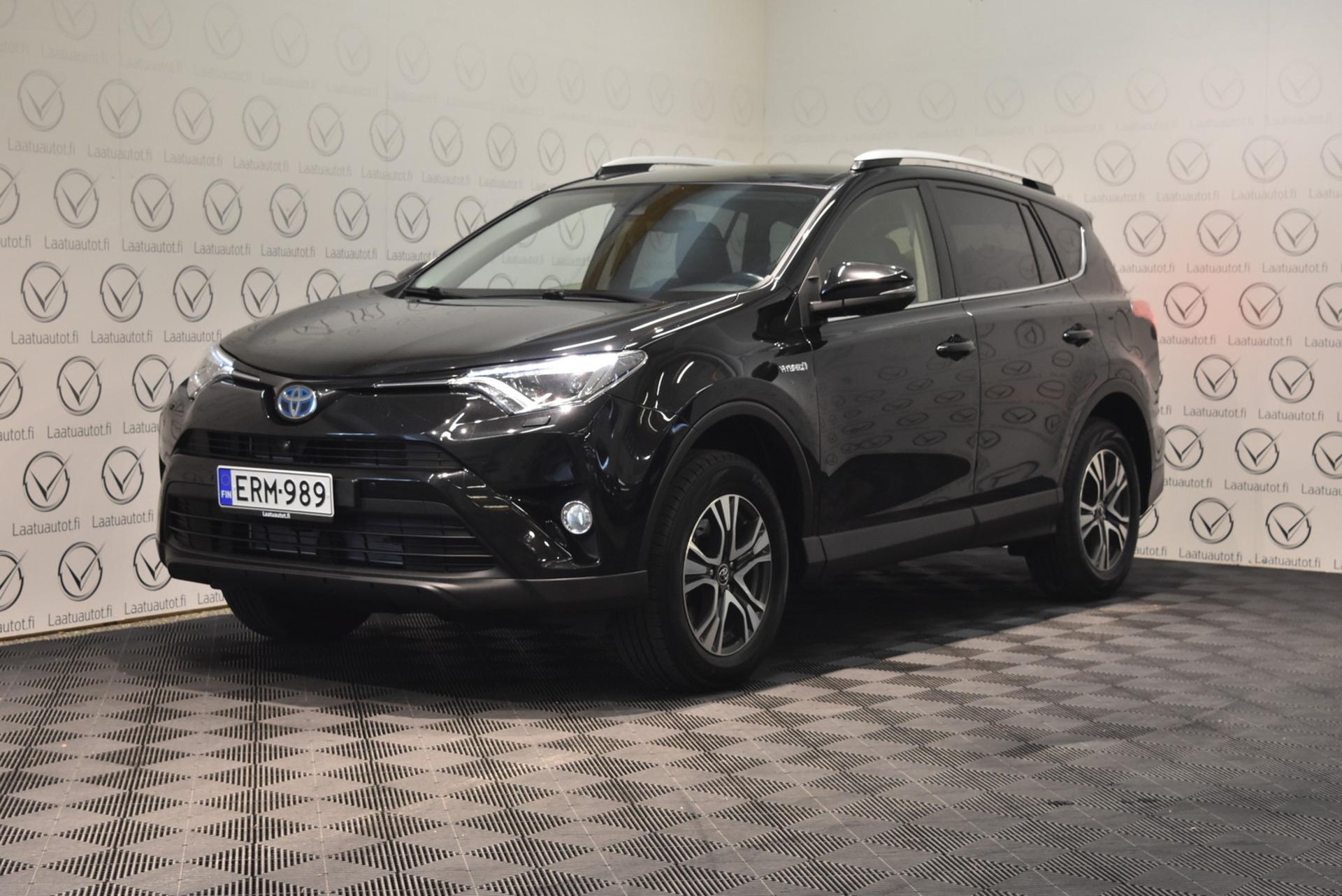 TOYOTA RAV4 2, 5 Hybrid AWD Premium - Korko: 1, 89% + kulut! Jopa ilman käsirahaa! Huippuvarusteet,  Nahat,  Navi,  Jbl-hifi,  jne jne.